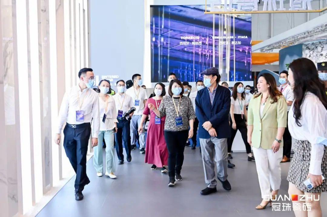 碧桂园董事局主席杨国强点赞新万博下载创新产品